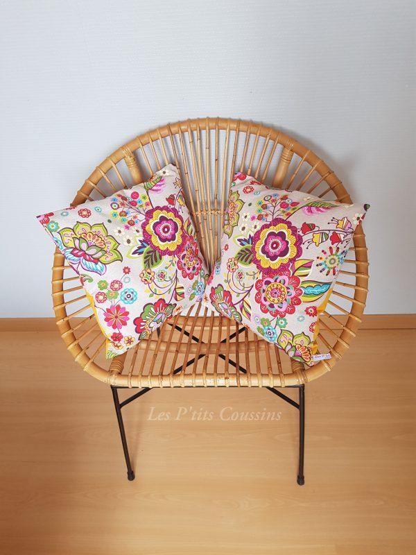 coussin bohème et fleurs colorées les p'tits coussins