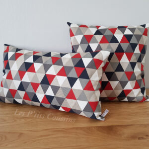 coussin triangle rouge noir gris les ptits coussins